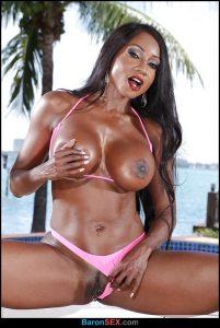 Stunning ebony wife Diamond Jackson has a body that drives men wild