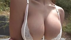 VOGOV Busty Autumn Falls quenches thirst with sex